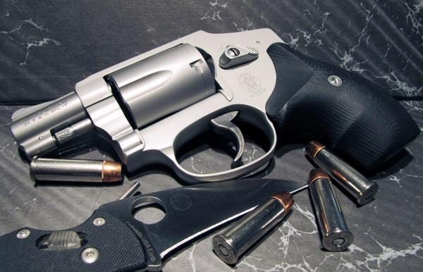 Snub Nose Revolver Carry